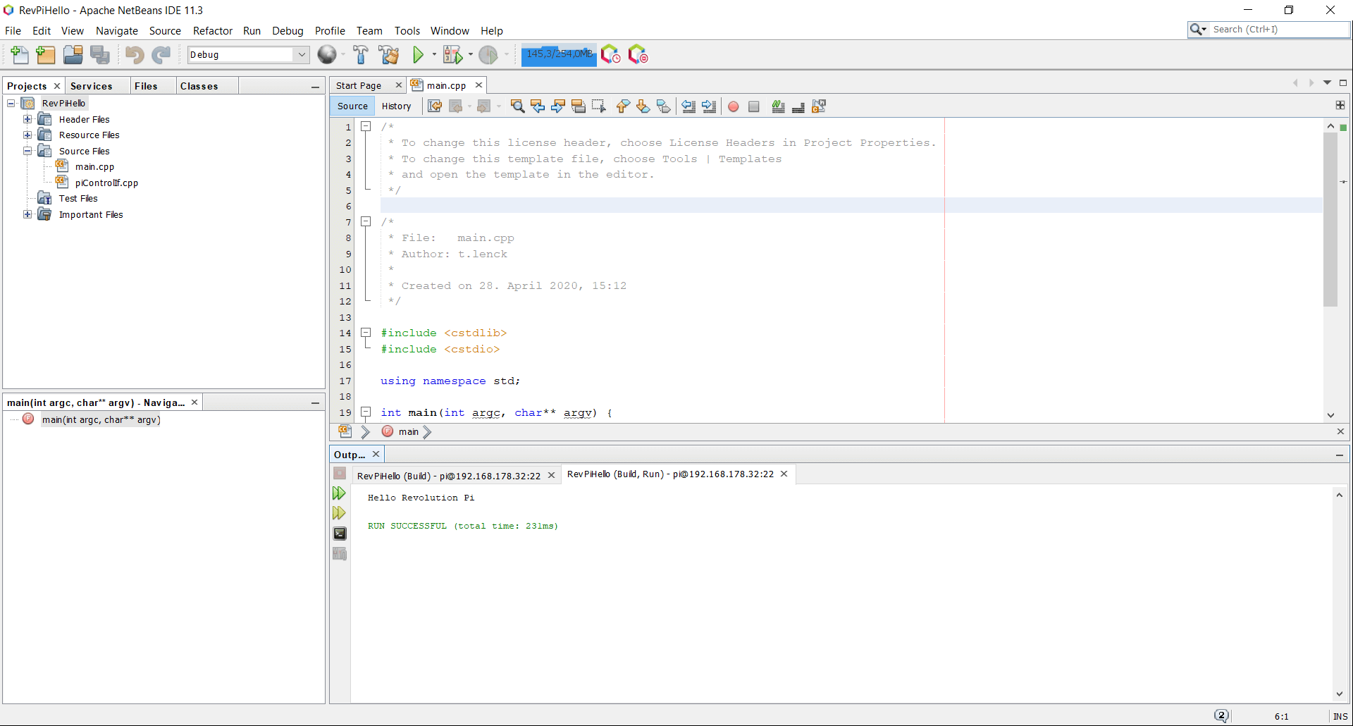 Screenshot of Netbeans showing the output of revpihello directly in the integrated console